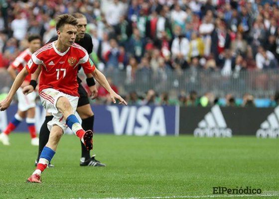 Aleksandr Golovín fichó por el AS Mónaco por la suma de 30 millones de Euros.