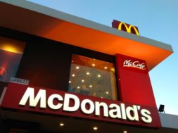 01_macdonalds_countries-that-have-banned-mcdonald-s_678182368-editorial-ty-lim-760×506