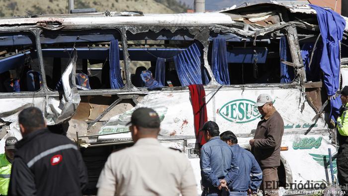 Accidente de tránsito en Ecuador deja 12 víctimas colombianas y 4 venezolanas 1