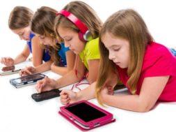 Niños-dispositivos-móviles-740×486