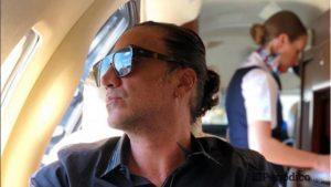 Alejandro-Fernández-ebrio-avión