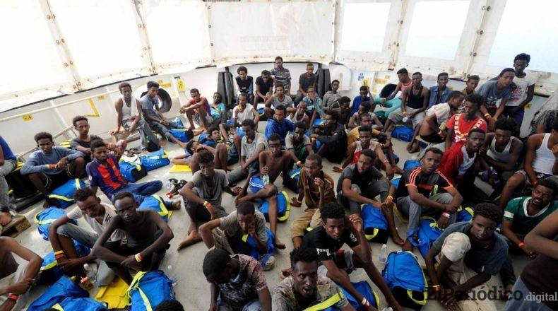 La embarcacion humanitaria Aquarius, hizo llamada de socorro a los países de la Unión Europea olicitando desembarcar en algun puerto seguro.