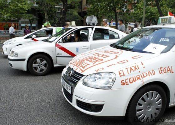 Huelga de taxis en la estación madrileña de Puerta de Atocha