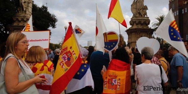 El miércoles 29 de agosto se realizó una manifestación en las puertas de la Ciutadella de Barcelona, donde resulto agredido periodista de Telemadrid