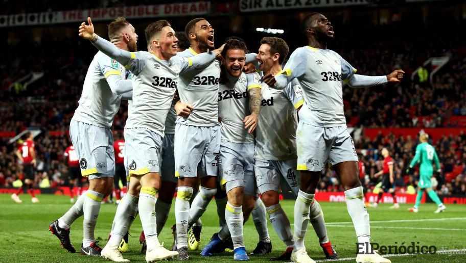 Tras empatar en el tiempo reglamentario, el Derby County derrota en los tiros penales al Manchester United, logrando clasificar a la siguiente ronda.