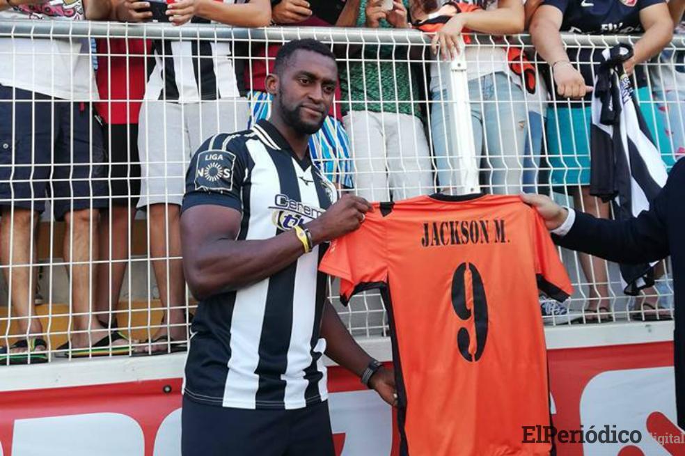 Jackson Martínez fue presentado en el Portimonense SC