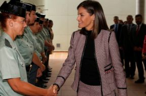la-reina-letizia-visita-guardia-civil