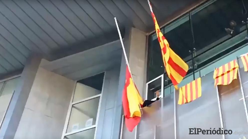 CDR llaman a concentración: Cataluña recuerda el referéndum del 1-0