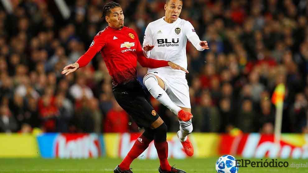 El Manchester United y el Valencia CF, disputaron un partido correpondiente a la jornada 2 de la UCL. El resultado del encuentro, fue un empate 0 a 0.