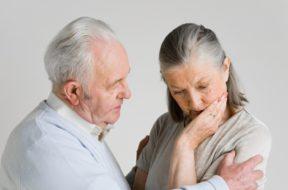Un estudio revela que una de cada dos mujeres tiende a sufrir Parkinson o demencia
