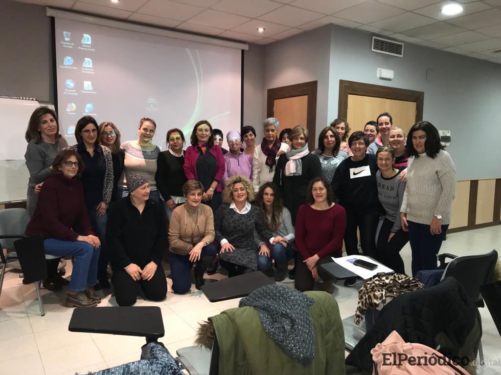 El Hospital 'San Juan de la Cruz' de Úbeda desarrolla una nueva edición de la Escuela de Pacientes con cáncer de mama en la que participan 35 personas