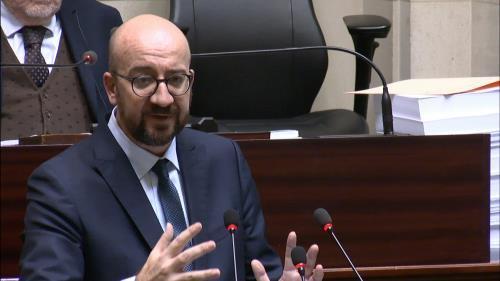 Primer ministro de Bélgica anuncia su dimisión