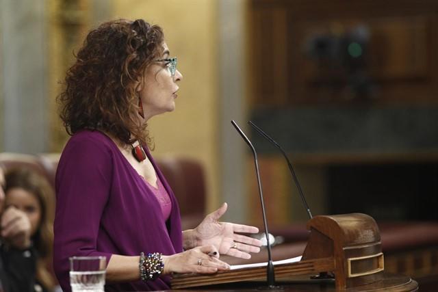"""Gobierno encuentra apoyo a la senda de déficit en el Congreso, el """"último gesto"""" de los independentistas"""