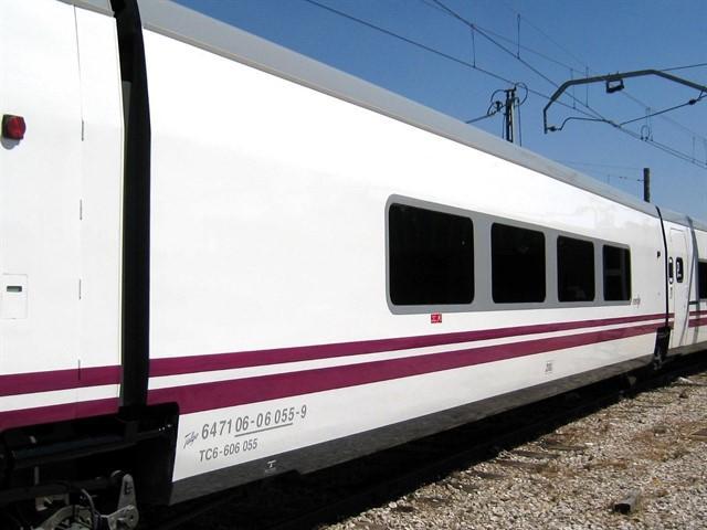 El director general de Renfe revisará protocolos y dotará a los trenes con mecánicos tras la avería del tren Badajoz-Madrid de este martes