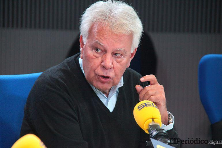 Felipe González cuestiona la estrategia de Pedro Sánchez