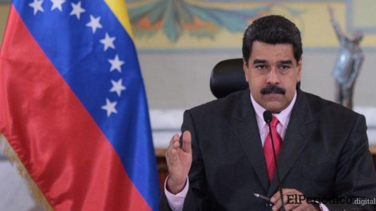 El mandatario presidencial de Venezuela abandona su despacho en Miraflores