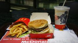 Increíble los venezolanos tienen que trabajar un mes para comprarse una hamburguesa
