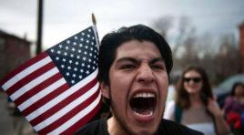 Que discriminen a quienes hablan español es lo que le ordeno EE.UU. a sus agentes de Inmigración