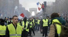"""En la protesta de los chalecos amarillos, los soldados pueden llegar a """"abrir fuego"""""""