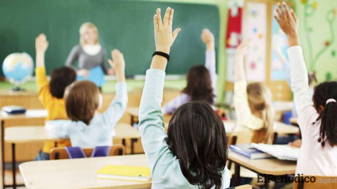Casi el 93% de las familias andaluzas obtiene plaza para escolarizar a sus hijos en el centro elegido como primera opción