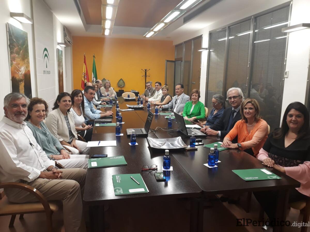 Salud y Familias pone en marcha el grupo de trabajo de para mejorar las infraestructuras en la provincia