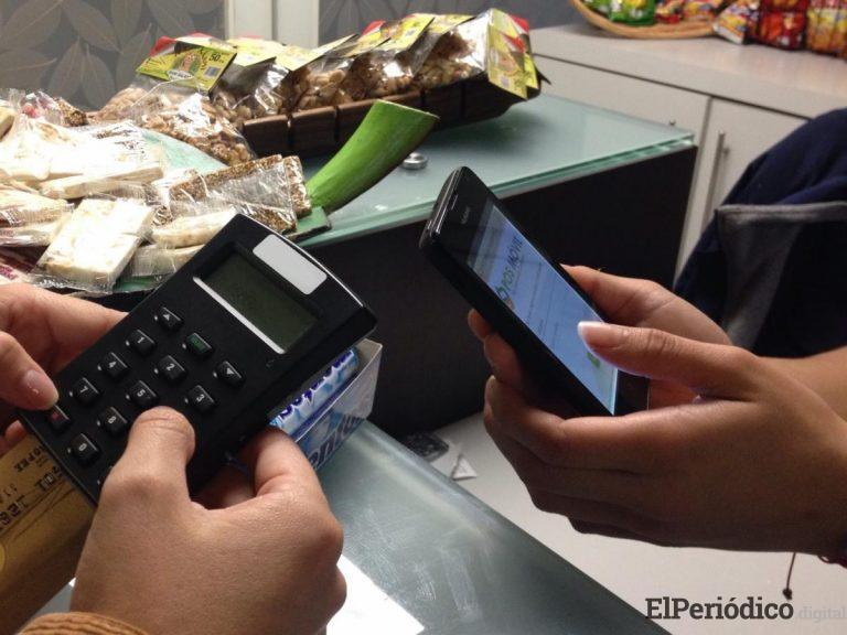 En Estepona, le roba la VISA a su exjefe y le gasta más de 6000 euros