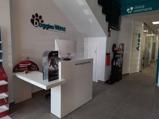Doggies World abre sus puertas en Las Lagunas, Mijas 3