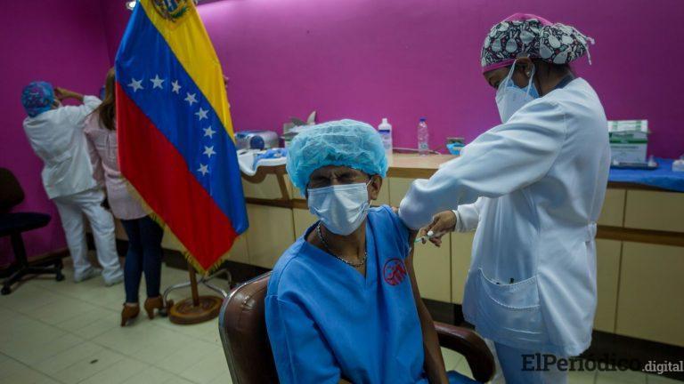 Nicolás Maduro y la oposición representada por Juan Guaido realizan un acuerdo político para la compra de vacunas en Venezuela